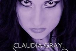 Visatoarea ( Evernight #2) de Claudia Grey